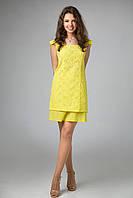 Легкое платье из натуральной вышитой ажурным рисунком ткани