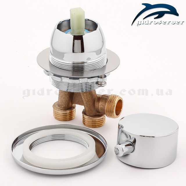 Змішувач для джакузі, гідромасажної ванни J-7040 відповідає за змішування потоків води і регулювання сили натиску.