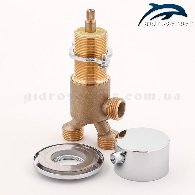 Кран переключатель для гидромассажной ванны и джакузи J-7042 отвечает за перенаправление смешанного потока воды на 2 устройства функционала.