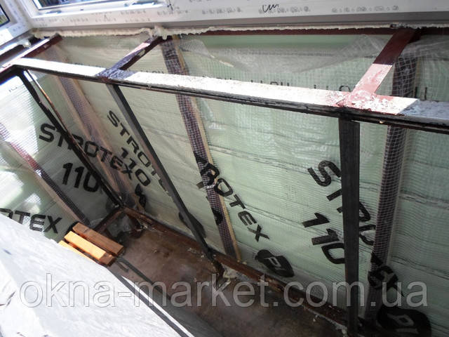 Балкон с выносом и обшивкой сайдингом