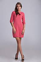 Стильно теплое мини-платье с украшением на горловине