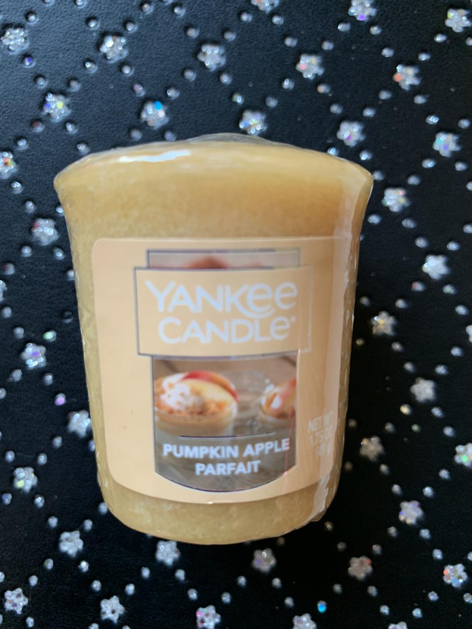 "Аромасвеча Yankee Candle ""Тыквенно-яблочное латте"""