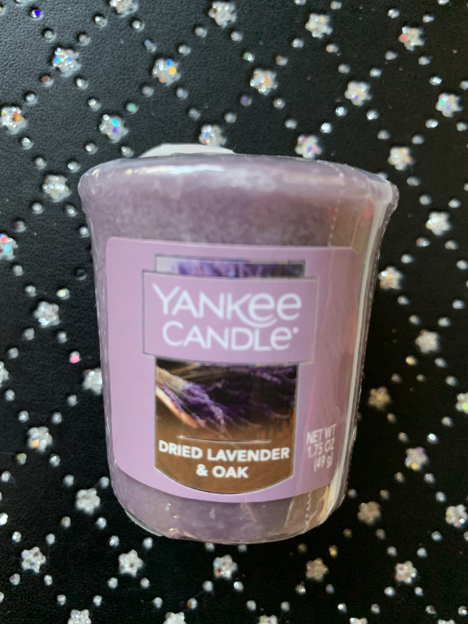 "Аромасвеча ""Сушеная лаванда и дуб"" Yankee Candle"