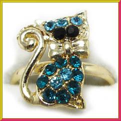 Кольцо на Палец Котик под Золото с Голубыми Стразами Безразмерное, Кольца и Перстни, Бижутерия