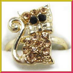 Кольцо на Палец Котик под Золото с Золотистыми Стразами Безразмерное, Кольца с Камнями Бижутерия