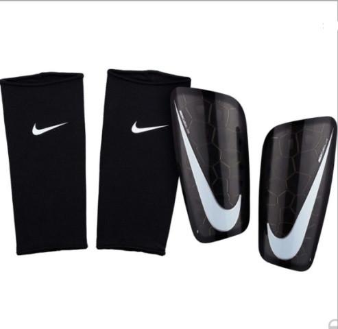 Футбольные щитки Nike Mercurial Lightspeed (CP0268)