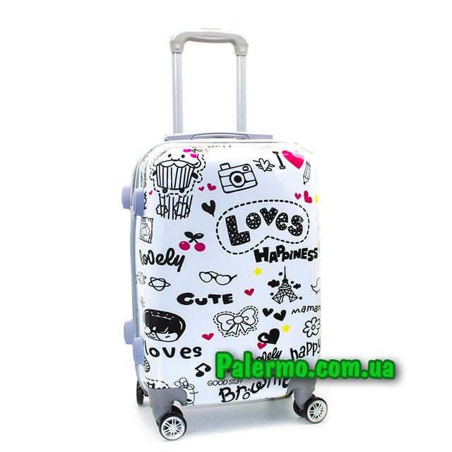 чемодан на колесах Loves