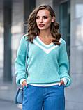 S-L Яркий вязаный свитер свободного кроя с треугольным вырезом размер 44-48 в расцветках, фото 2