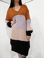 Женское вязаное платье оверсайз с горловиной мыс