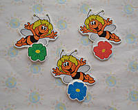 Магнитный стенд для крепления рисунка магнитом Пчёлка Майя