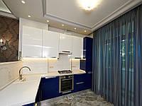 Кухня с фасадами из пластика акрила