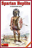Cпартанский гоплит V век до н.э.. 1/16 MINIART 16012