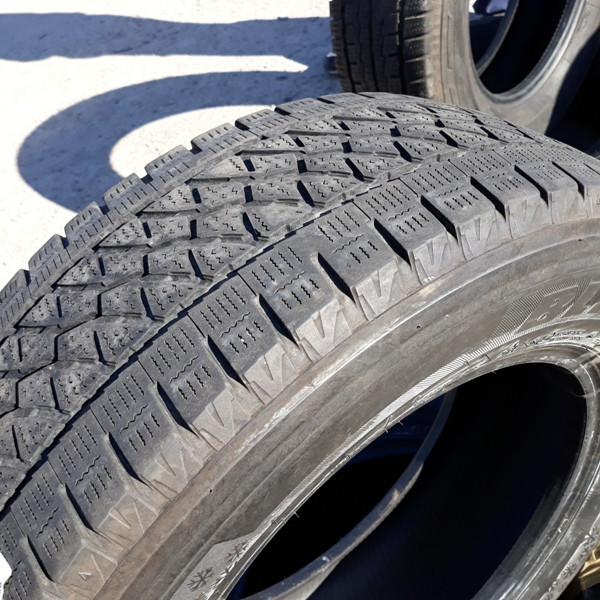 Бусовские шины б.у. / резина бу 225.65.r16с Bridgestone Blizzak Бриджстоун