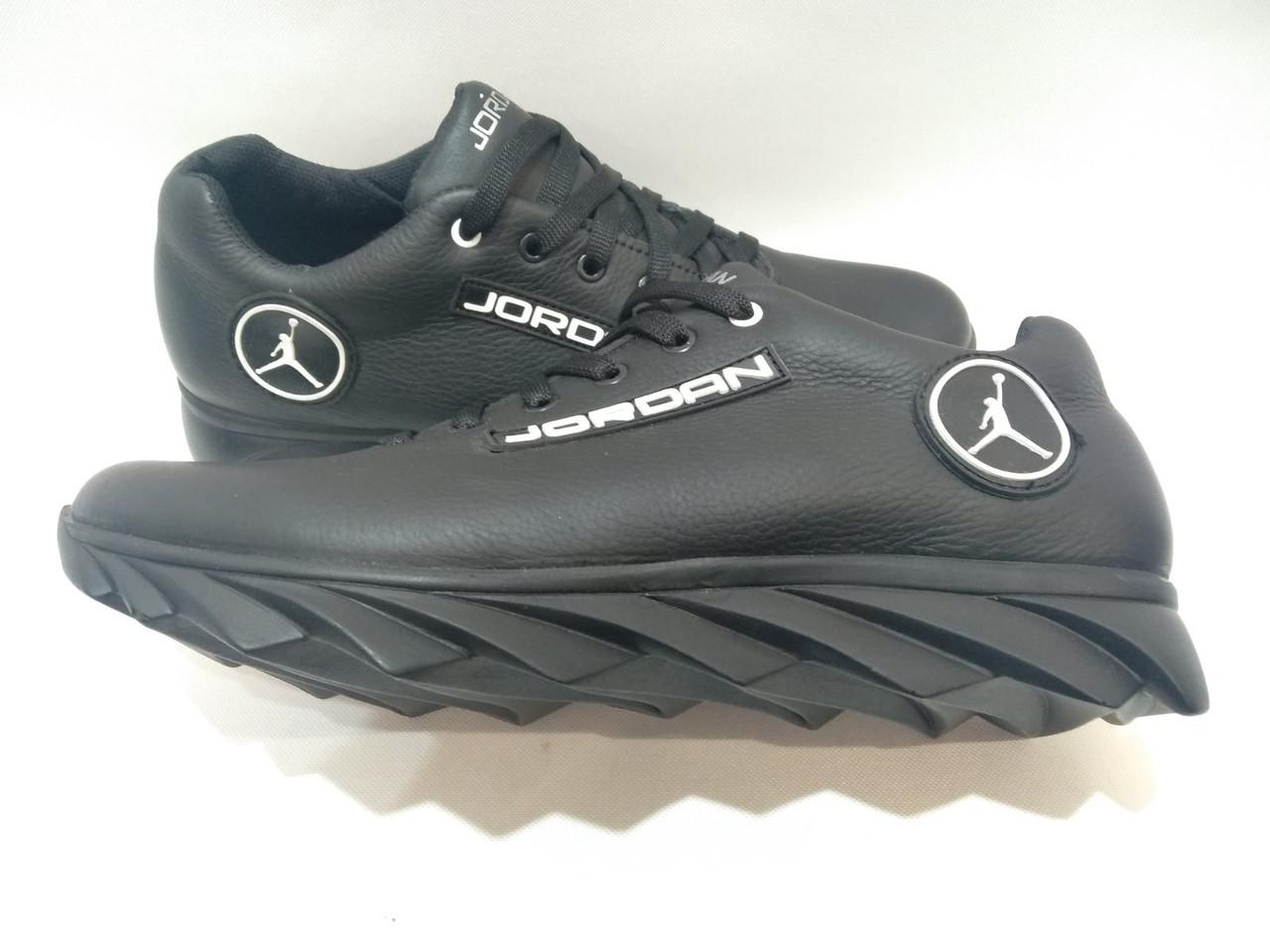 """Мужские кожаные кроссовки """"Jordan"""" / черные"""