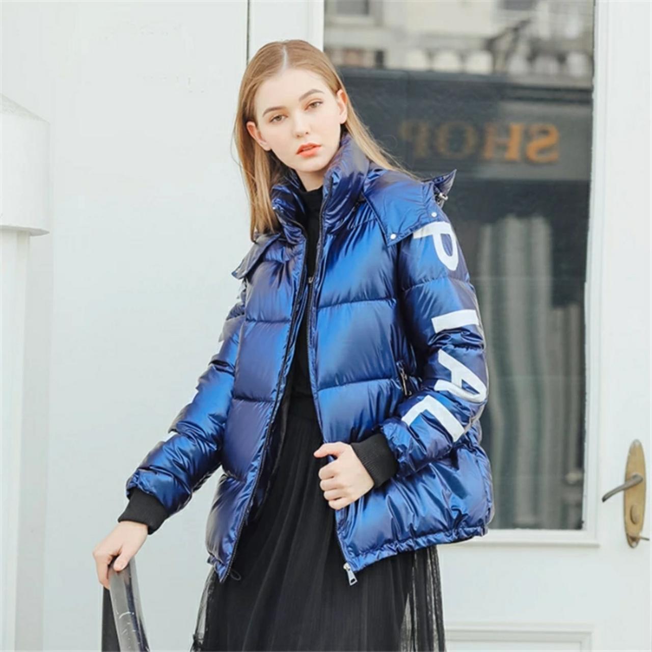 Женский укороченный глянцевый объемный зимний пуховик, парка, куртка PIAL синий