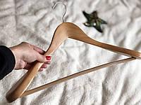 Светлое деревянное плечико вешалка 45,5см с силиконовым покрытием и перекладиной, фото 1