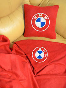 Автомобільна подушка і плед з вишивкою
