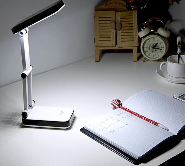 Аккумуляторная настольная лампа трансформер Topwel 20LED