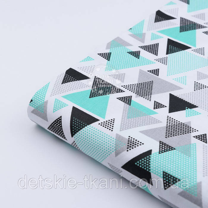 """Лоскут ткани """"Треугольники с перфорацией"""" мятно-чёрные на белом, №2367, равзмер 46*80 см"""