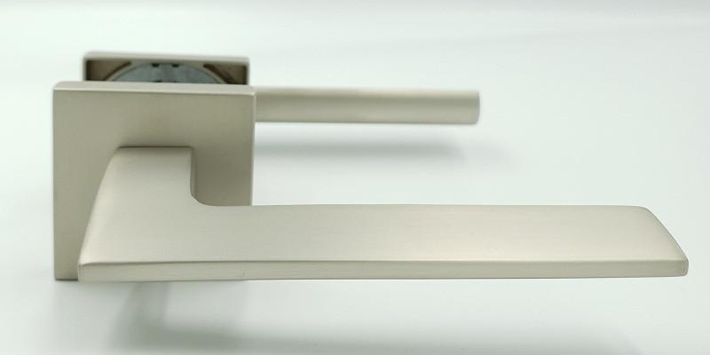 Ручка на квадратной розетке алюминий Trion GRECO MSN