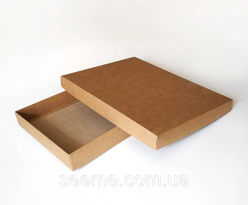 Коробка подарункова із крафт картону 380x280x45 мм.