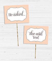 "Таблички для фотосесії ""He asked..."" і ""She said yes!"""