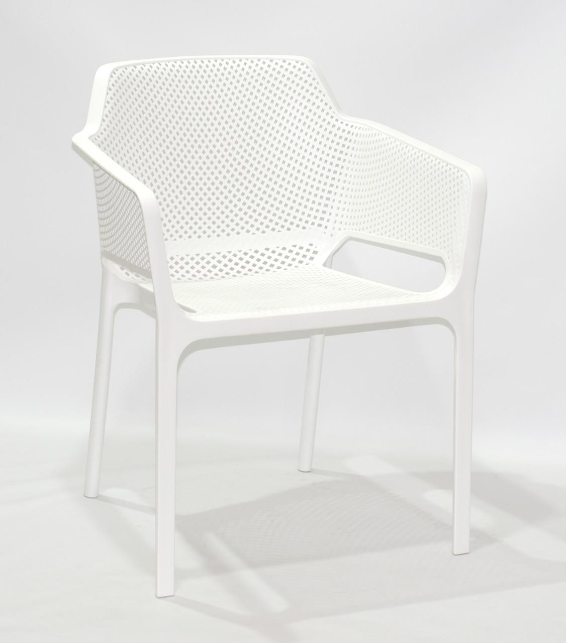 Кресло пластиковое в современном стиле Amado для террас, веранд, беседок, кафе