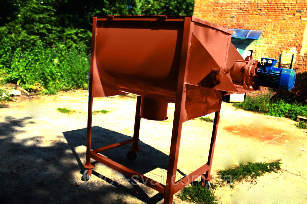 Смеситель кормов комбинированных 400 л., 1,5 кВт на 380В.