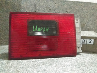 №82 Б/у фонарь задний лівий внутрішній  7M3945093D для Volkswagen Sharan 2001-2005