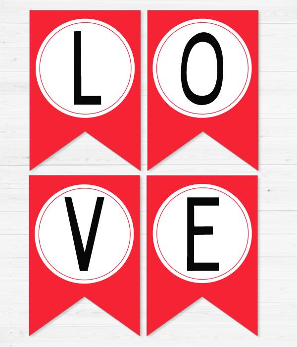 """Бумажная гирлянда """"Love"""""""