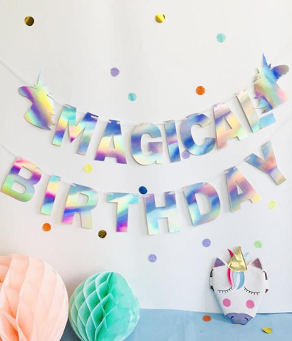 """Гирлянда с голографической надписью """"Magical Birthday"""" и единорогами"""