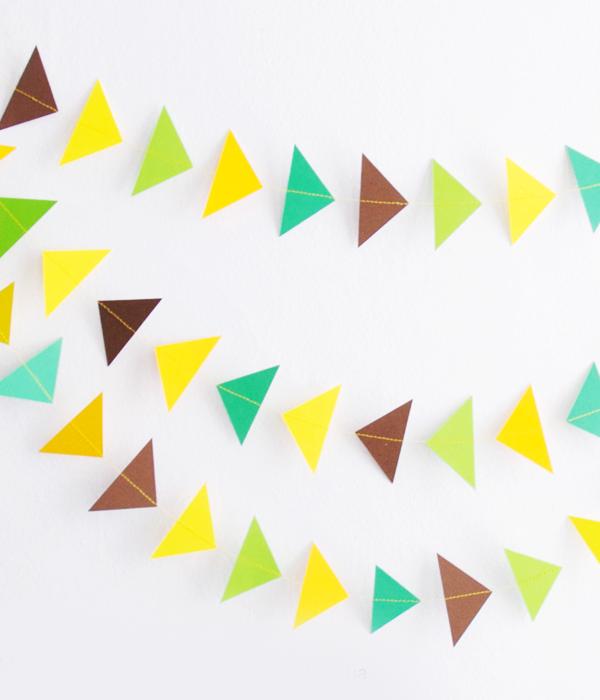 """Фигурная гирлянда """"Треугольники"""" (различные цвета)"""