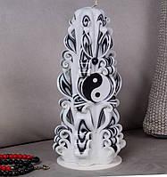 Різьблена свічка з символом Інь-Янь