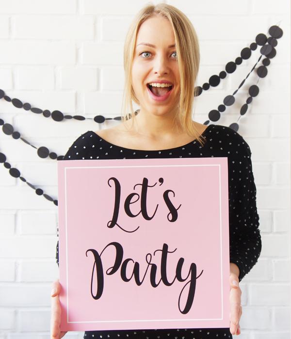 """Табличка """"Let's Party"""""""