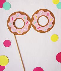 Аксессуар для фотосессии очки-пончики