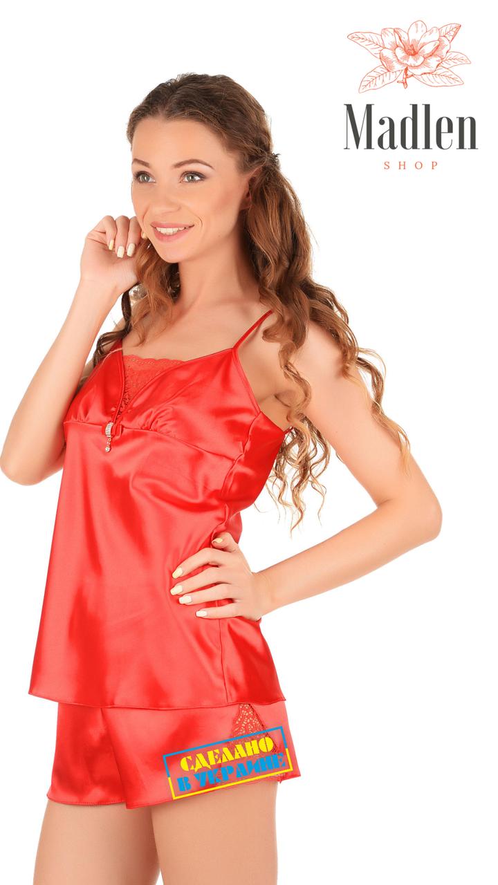 Красная атласная пижама с кружевными вставками
