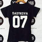 Именная футболка с белой надписью, фото 2
