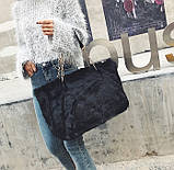 Женская большая меховая классическая черная сумка на цепочке с мехом черная, фото 2