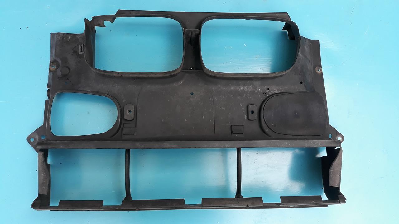 Воздухозаборник диффузор радиатора BMW e39 51718159959   8159959    бмв е39
