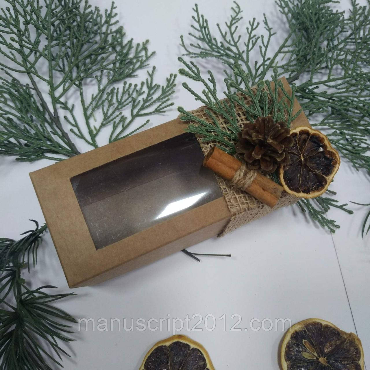 Коробка з новорічним декором 140х55х50 мм.