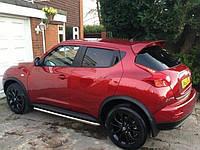 Спойлер Nissan Juke красный (в цвет)