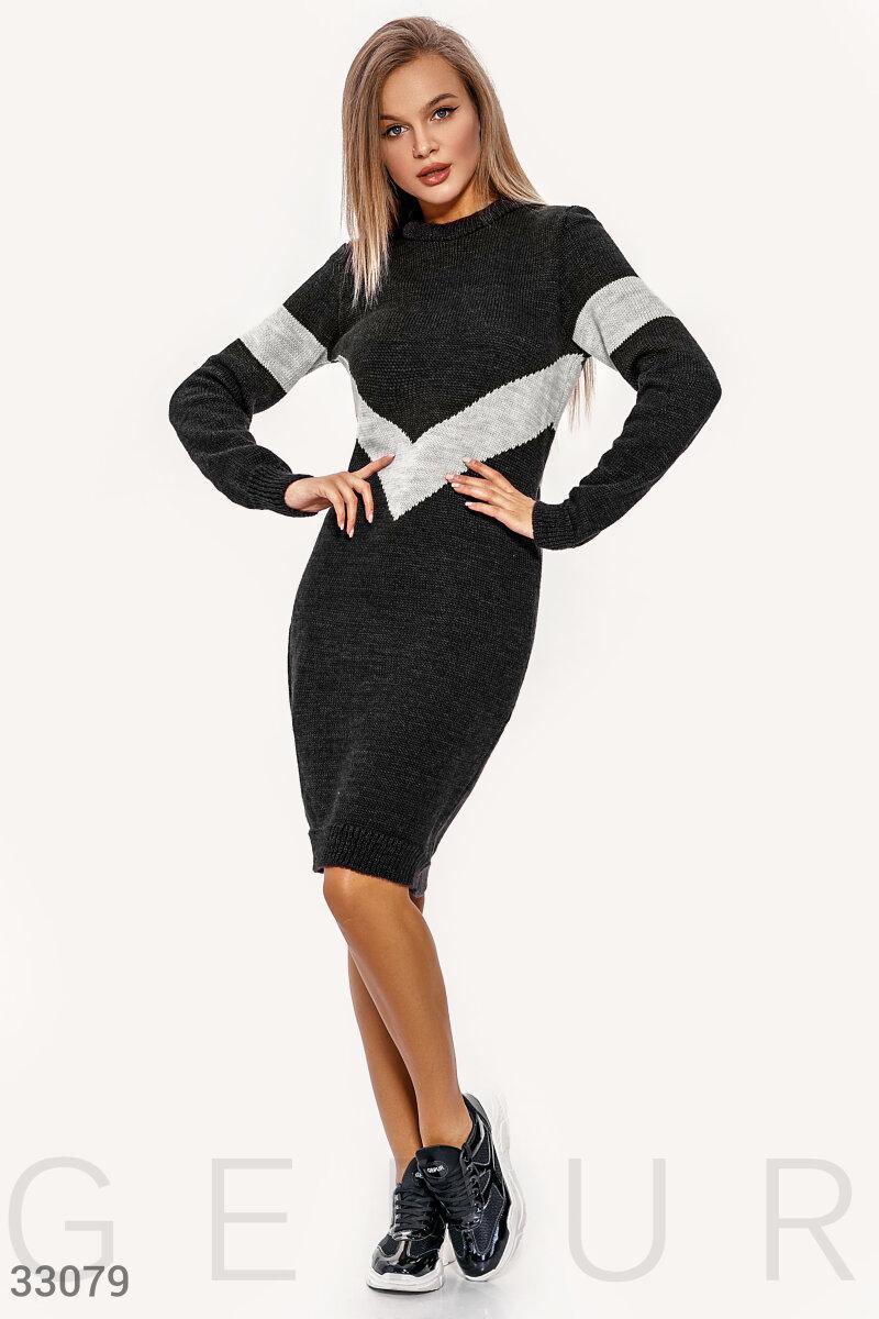 Вязаное облегающее платье черное