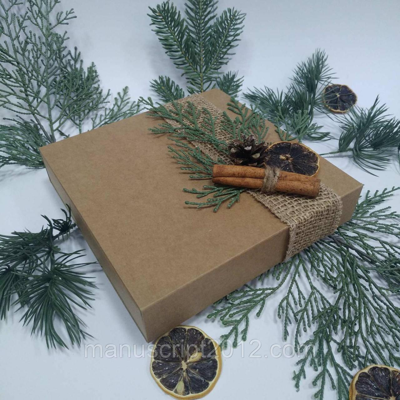 Коробка подарункова 160х160х35 мм.