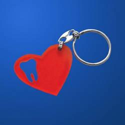 Изделия и сувениры из пластмасс: брелок сердечко
