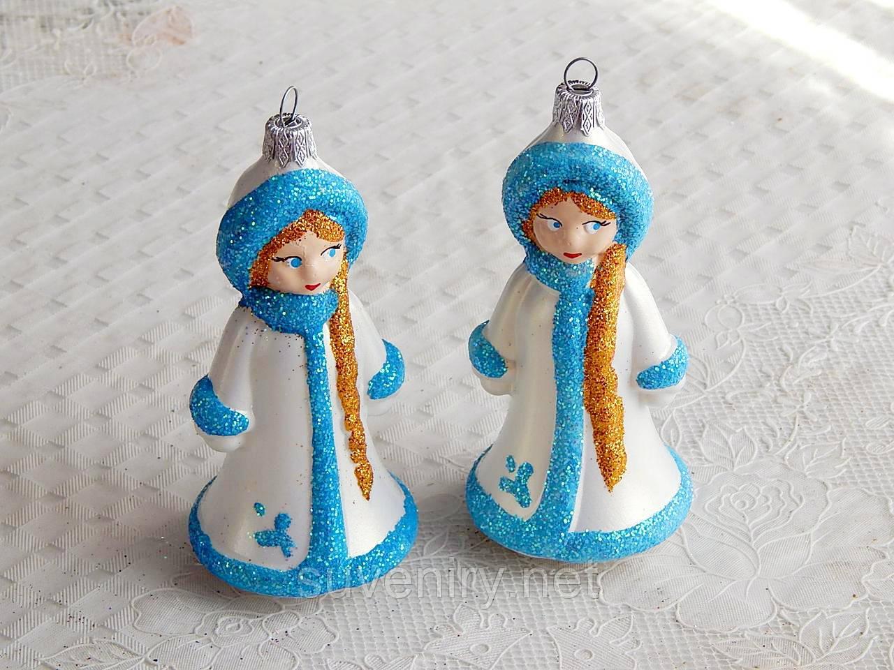Новогодняя игрушка шар на елку снегурочка