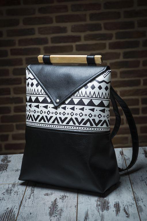 """Городской рюкзак Skins """"Trible"""" черный с белым Молодежный, повседневный, для учебы ( Міський, чорний)"""