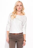 Женская трикотажная блуза молочного цвета с абстрактным рисунком. Модель Runa Zaps.