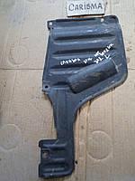 Пластик защита днища задняя Mitsubishi Carisma MR911063, MR 911063, MR911064, MR 911064