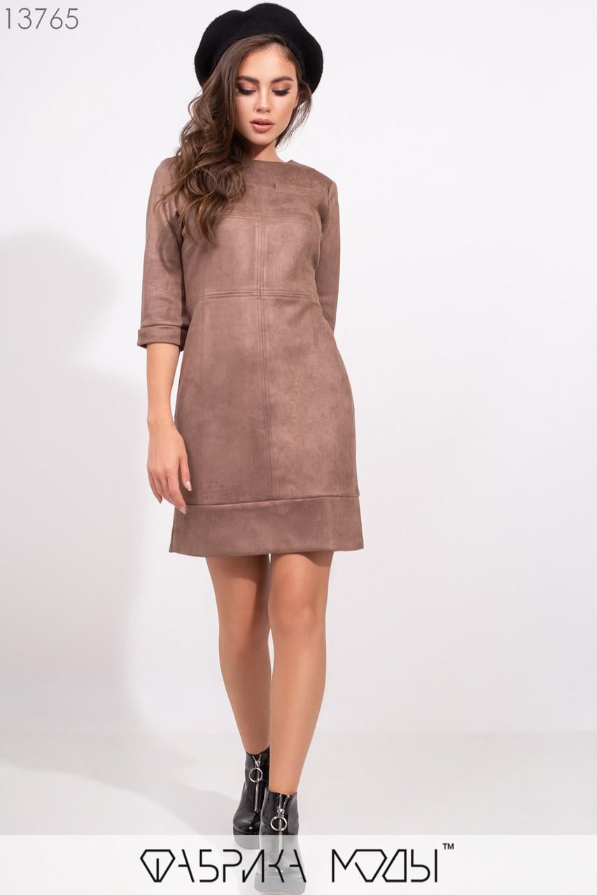 Платье кроя мини трапеция с рукавами 3/4 на манжетах, фигурными выточками втачным подолом и молнией сзади 13765