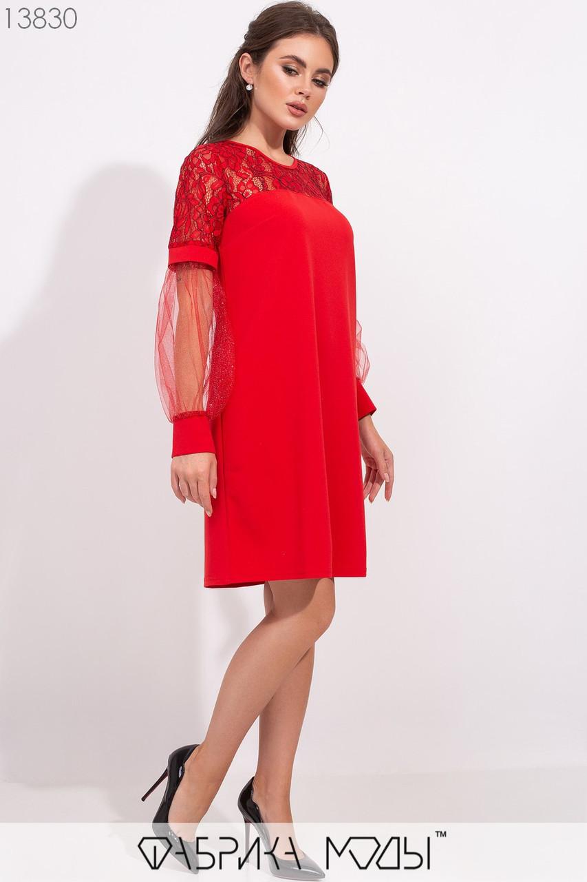 Платье полу-приталенного кроя с двусторонней гипюровой кокеткой и рукавами из сетки с напылением и манжетах 13830